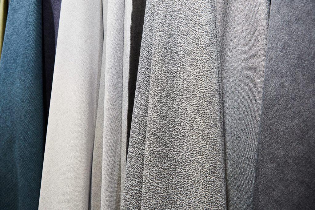 Як купити меблеву тканину: 6 типів тканин Dekora Group