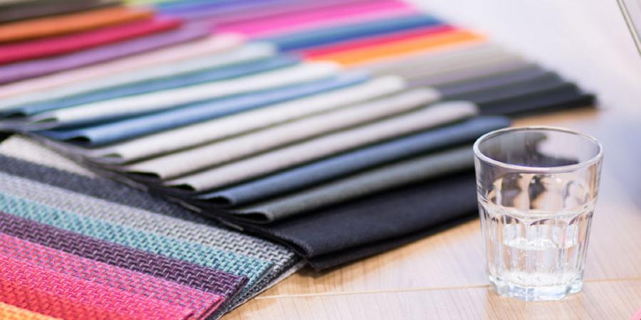 Велюр, рогожка або штучна шкіра: як вибрати та купити меблеву тканину